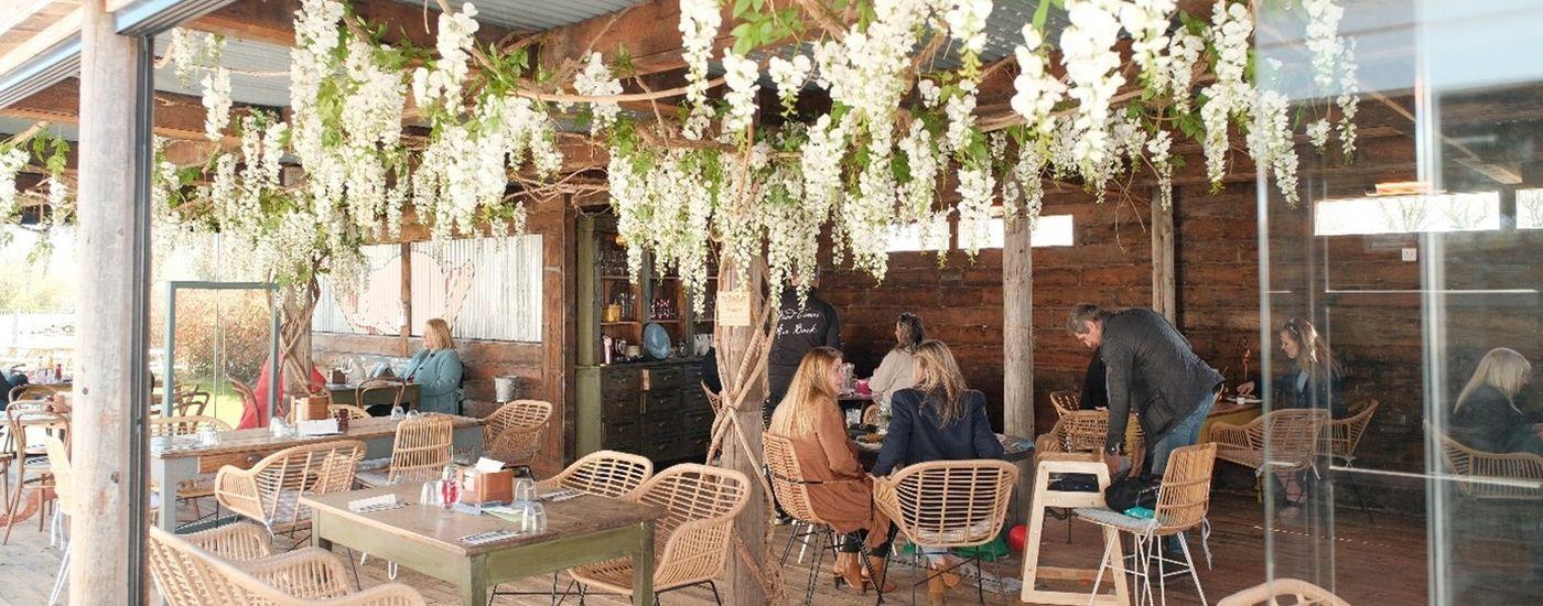 Elite Pubs outdoor eating April